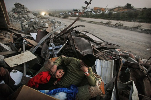 gaza_digs_out_01